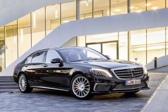 Vitték a Mercedest, mint a cukrot