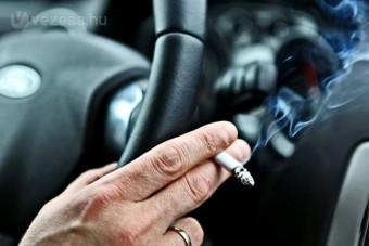 Tilos lesz dohányozni a gyerekes autókban