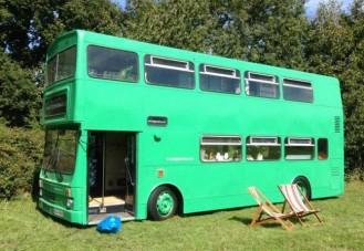 A nagy zöld hotelbusz