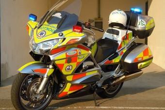 A mentőmotorosokat segíti a Bridgestone