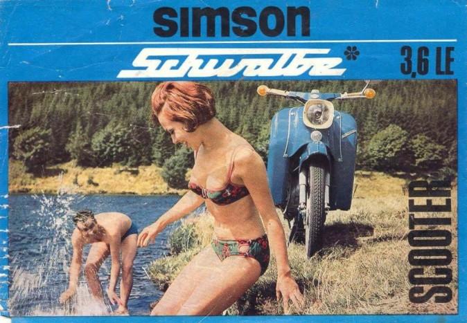 SIMSON SCHWALBE - A '60-as évek első felétől kezdve indult hódító útjára a legendás madárszéria, melynek legismertebb darabja a KR 51-es, vagyis a Schwalbe. Ez volt a Simson történelmében az a típus, amely a legnagyobb darabszámot érte el 1964 február és 1986 decembere között, szám szerint 1.058.300 darabot. Németországban ma már kultikus tárgy, de még nálunk nem egy igazi, mindennapi közlekedési eszközként teljesít, egész megbízhatóan.