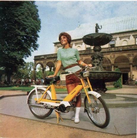 BABETTA - A cseh mopedek vérfarkasa (a PS gyár terméke - Považské nevet a városról, és a Strojárne nevet a gépgyártásról kapta), a Linda sorozatban filmes sikereket is megélő Babetta. G.Ulicky és J.Safarík műve 23 és 16 colos kerékkel került piacra, 1971-ben indult a sorozatgyártás, végül pedig a kisebb kerékkel szerelt verzió ért el sikereket. Rendkívül rövid idő alatt a PS számos eltérő típust készített: 207.200, 207.300, 207.400, 207.500 a különböző igényű piacokra, pl. a németeknek és hollandoknak külön egy 25 km/h végsebességű változatot, az Egyesült Államokba egy 30 km/h-s változatot, a hazai piacra pedig 40 km/h-s változatot.
