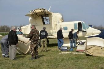 Nap képe: Repülőt bontanak Szolnok mellett