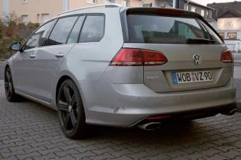 Itt a Volkswagen versenykombija!