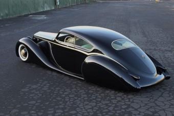 Ez az autó maga a Rock and Roll