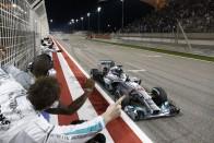 Hamilton 10 legemlékezetesebb győzelme az F1-ben 2