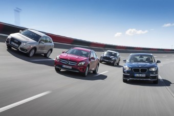 A legjobb prémium szabadidő-autók egymás ellen