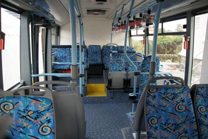 SOR EBN 8 belülről: a korábbi változatokkal ellentétben az utastér stílusos és tágas