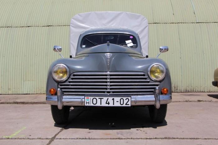 Peugeot 203 U8 pickup igen takaros állapotban