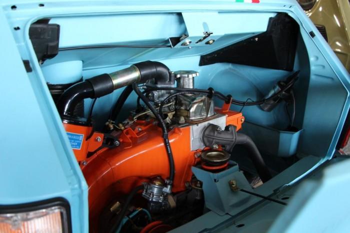 Polski Fiat 126p 650E - Az ország talán egyik legszebb kispolákja, a Gulf versenyszínekben feszítő méregzsák.