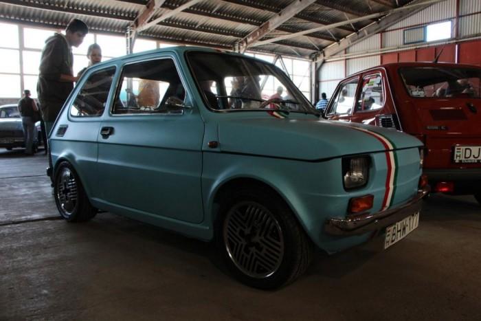 Három és fél évig készült az autó, és a karosszériamunkától eltekintve mindent a tulajdonos készített.