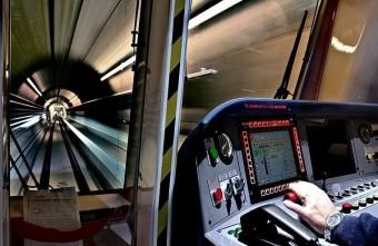Sokan utaznak a 4-es metrón