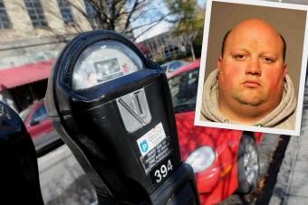 19 milliót lopott ki az órákból egy parkolóőr