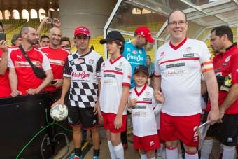 F1: A focipályán üzentek Schumachernek