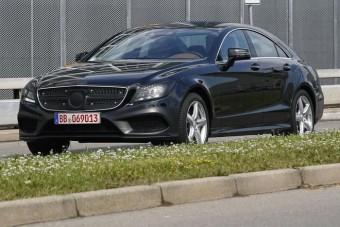 Megújul a Mercedes kupélimuzinja