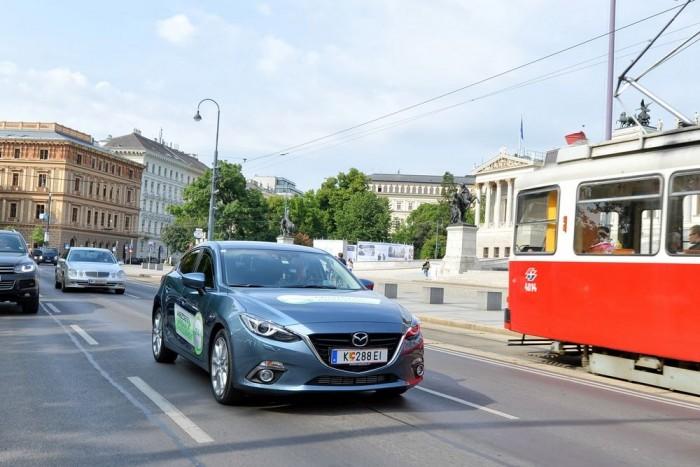Bécs belvárosban keringtünk 24 órán keresztül, hosszú kigurulásokkal, kimért gyorsításokkal, nagy követési távolságokkal, az osztrák taxisok nagy örömére