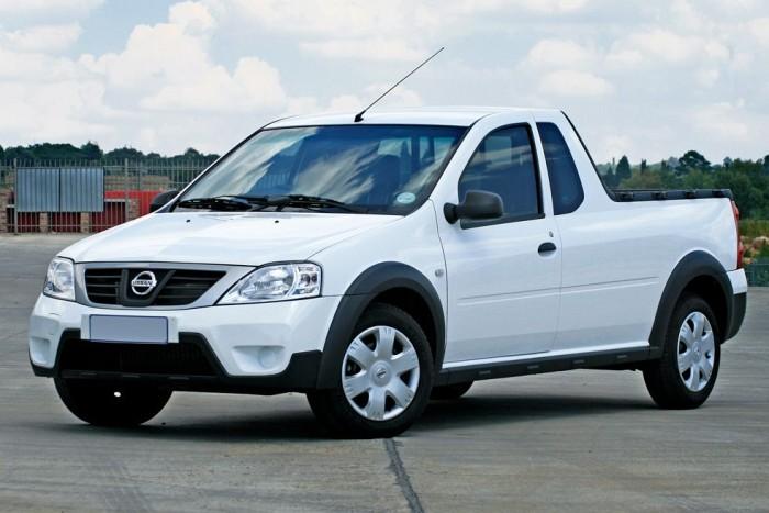 2009 A Nissan dél-afrikai üzeme elkezdi gyártani a Logan pick-upot, Nissan NP200 néven