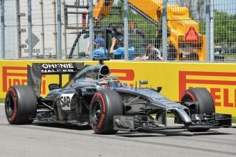 F1: Button egy manőverrel előzött kettőt