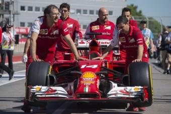 F1: A Ferrarinak nem megy a fejvadászat