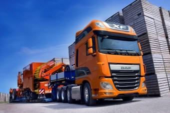 Négytengelyes holland teherautók