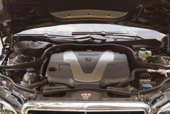 Tiszta, erős, de a fő konkurensekhez képest nem takarékos a 252 lóerős dízelmotor