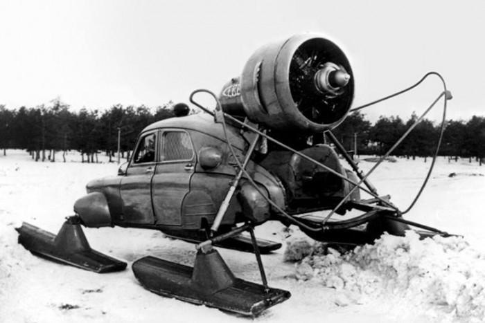 Egy újabb orosz technikáról van szó, mégpedig az 1959-es Sever-2 névre hallgató hójárműről, ami a GAZ-M-20 Pobeda gépjármű alapjain nyugszik