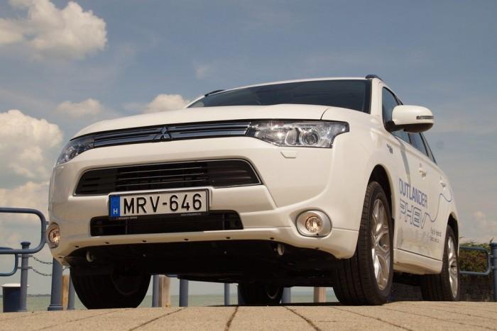 Vezettük: Mitsubishi Outlander PHEV