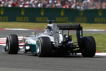 F1: Szabályváltoztatással állítják meg a Mercedest?