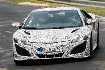 Már Európában tesztel az új Honda NSX!