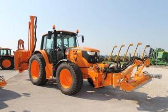 Spéci traktorok a Magyar Közútnak