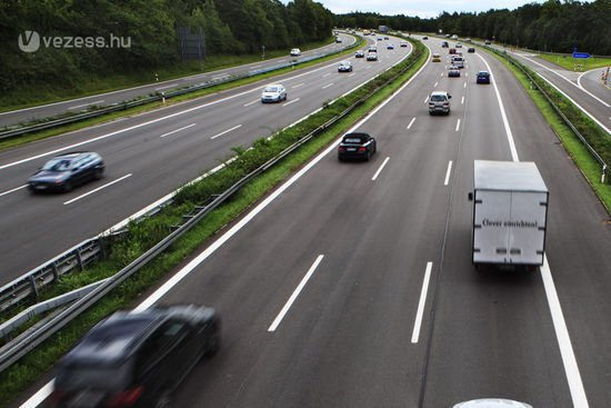 A tárca várakozásai szerint nem térnek majd át a veszélyesebb párhuzamos utakra a spórolósabb autósok