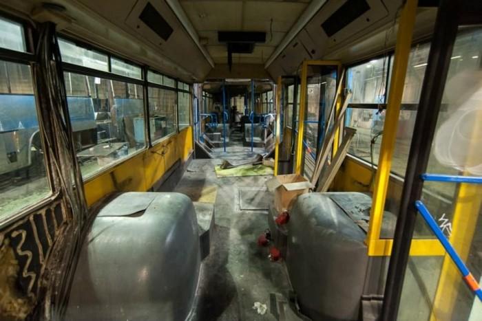 A felújítás során grafittálló burkolatokkal látják el az utasteret
