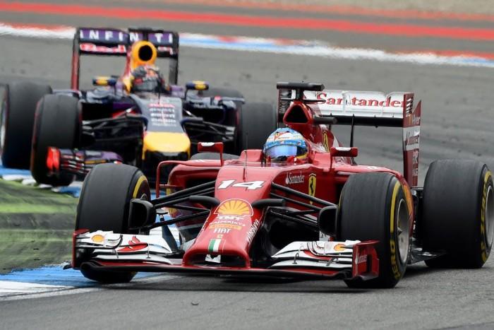 Alonsóra és Vettelre várni kell