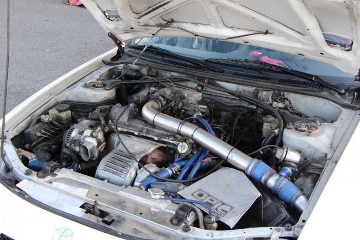 Ez viszont kőkemény versenygép: a mezőny talán legnagyobb meglepetése Szuti Celica GT4-ese