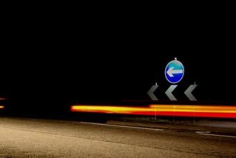 75 éves a fényvisszavető közlekedési tábla