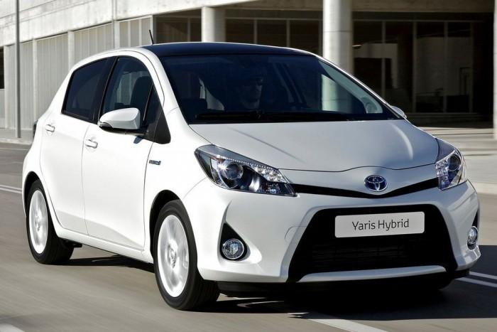 Alig fogyaszt (75 g/km CO2), viszont viszonylag zajos (73 dB(A)) a Yaris Hybrid. 7,43 ponttal nyolcadik, akárcsak a Peugeot 2008 1.2 Puretech 82 EGS5 Stop & Start.