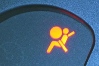 A biztonságos közlekedésről papoló autós újságírók titkos élete