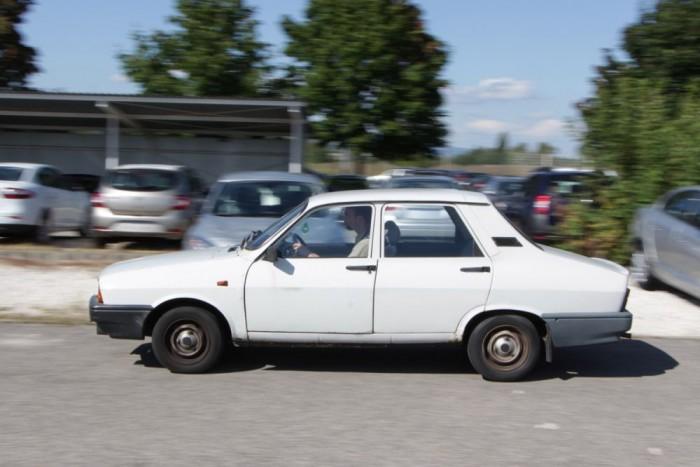 Ebben egytorkú a karburátor, míg az 1,6-osban kéttorkú. Keleti autóban legfeljebb a Smaara motorja viselkedett ennyire jól: élénk, jól húz, szívesen pörög