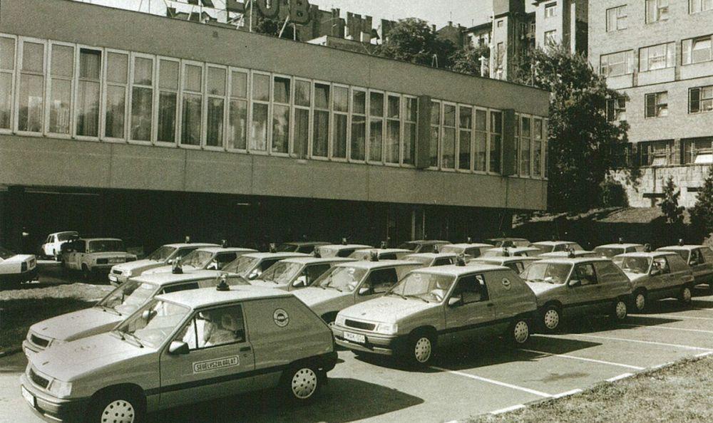 24 db szívódízel Opel Corsa A segélyautót szerzett be az Autóklub a rendszerváltás után. Nagyon keveset fogyasztottak