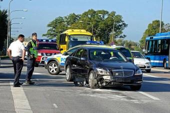 Autóbalesete volt a svéd királynak
