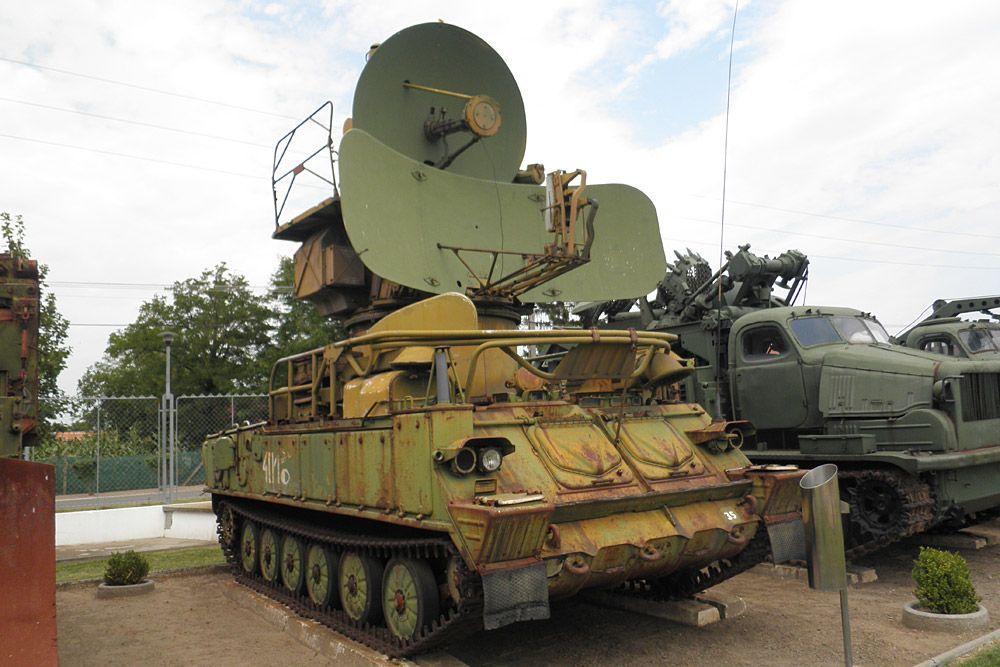 5cb0b81a0355 4.: 1S91 rávezető radar - Láctalpas karácsonyfa, amely az ellenség  repülőire volt veszélyes