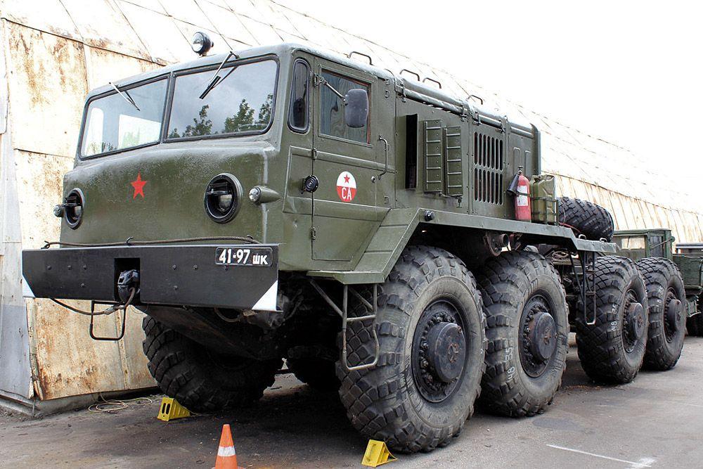 6685106c3b79 5.: MAZ vontató - Barátságos arcú mostrum a MAZ vontató, amelyet mindenféle  gigantikus