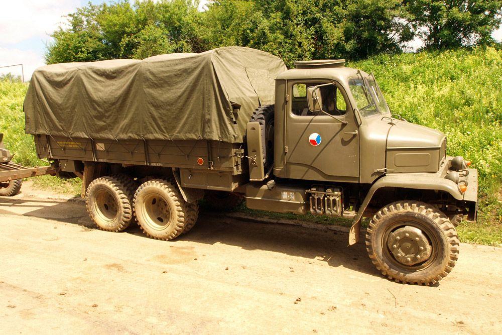 7d00d6f1ae56 6.:Praga teherautó - A háromtengelyes, 6x6-os Csehszlovák járgány idétlen,