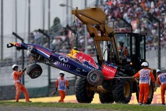 F1: Hullottak az autók az edzésen