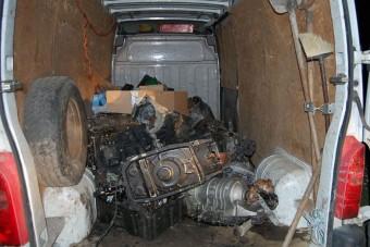 Kalapáccsal estek a kocsiknak a győri bűnözők
