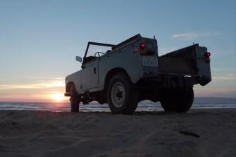 Land Rover a homokban