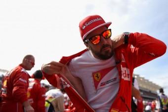 Hamilton: Alonso az én helyemet akarja
