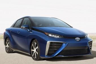 Autónként akár harmincmilliót bukhat a Toyota