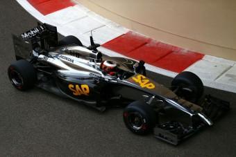 F1: Három kört bírt a McLaren
