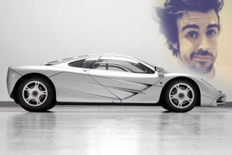 Milyen autót vegyen Alonso?